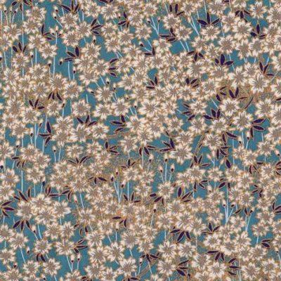 """Image-papier japonais, chiyogami (yuzen), fond gris bleu, sérigraphie d'un champ de fleur façon """"Liberty"""", rehaussé de doré"""