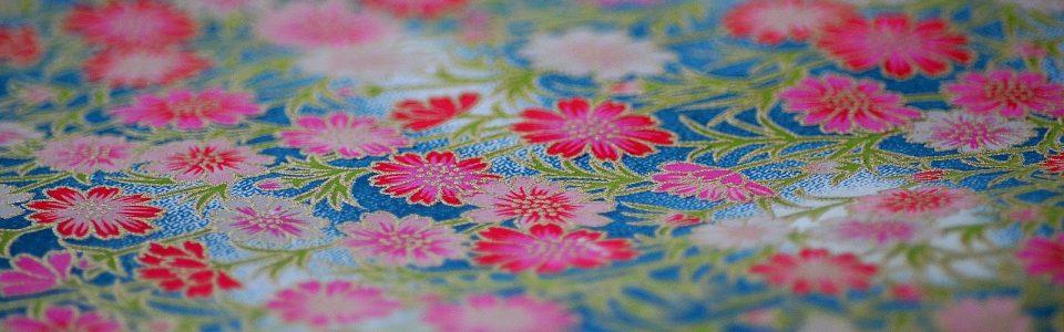 Papier japonais fond turquoise et fleurs roses