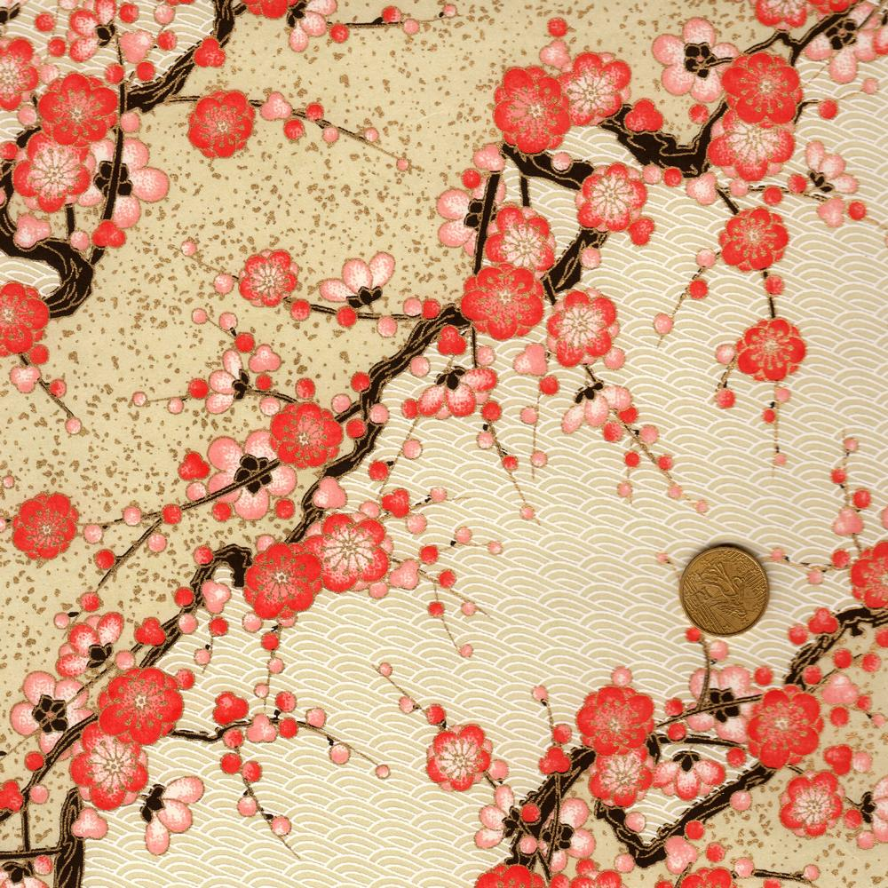Papier japonais rose et beige représentant des branches de cerisiers