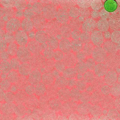 Papier japonais rose aux fleurs argentées comme de la dentelle