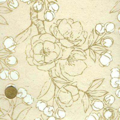 Papier népalais blanc, impression de belles branches de pruniers blanches et dorées