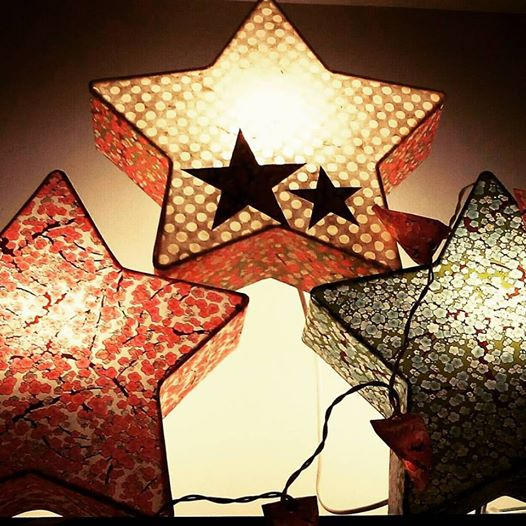 applique lumineuse en étoile
