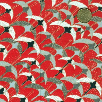 Papier japonais grues grises sur fond rouge